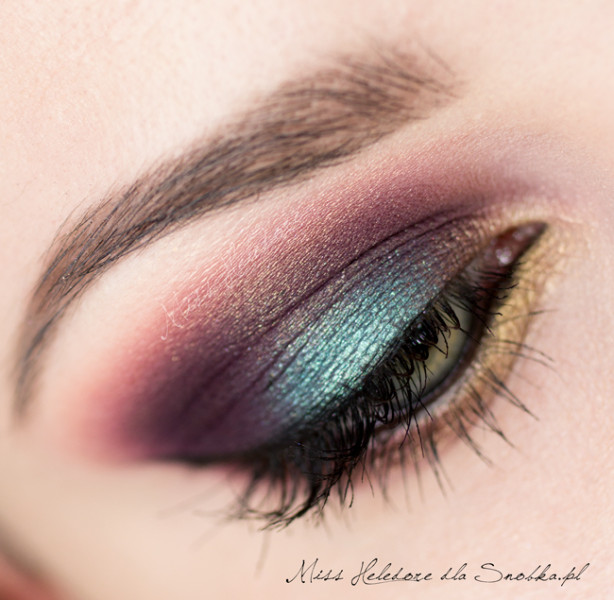 make up, tutorial, how to, trucco esotico, trucco occhi, ombretti, trucco verde, trucco intenso