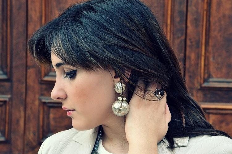 orecchini, accessori, fashion blogger italiane, burgundy, gonne