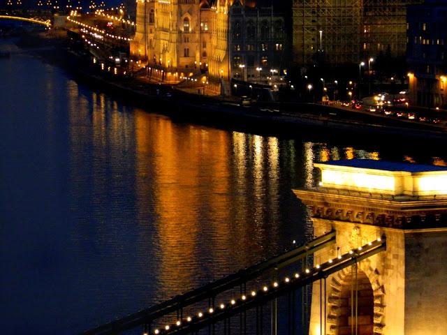 budapest by night