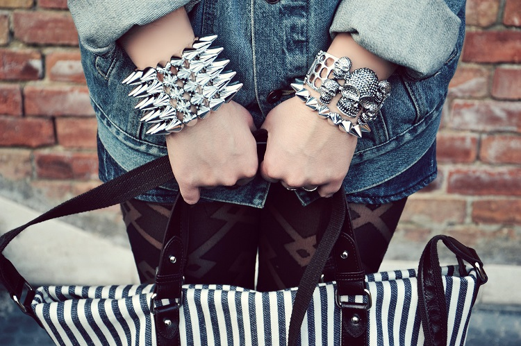 borchie, skulls, dettagli outfit, accessori, borse, fashion bloggers, blog moda, dans la valise