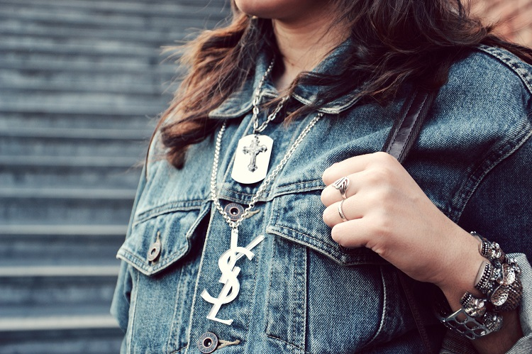 YSL, collane plexiglass, denim, giacche jeans, fashion bloggers, street style, urban style