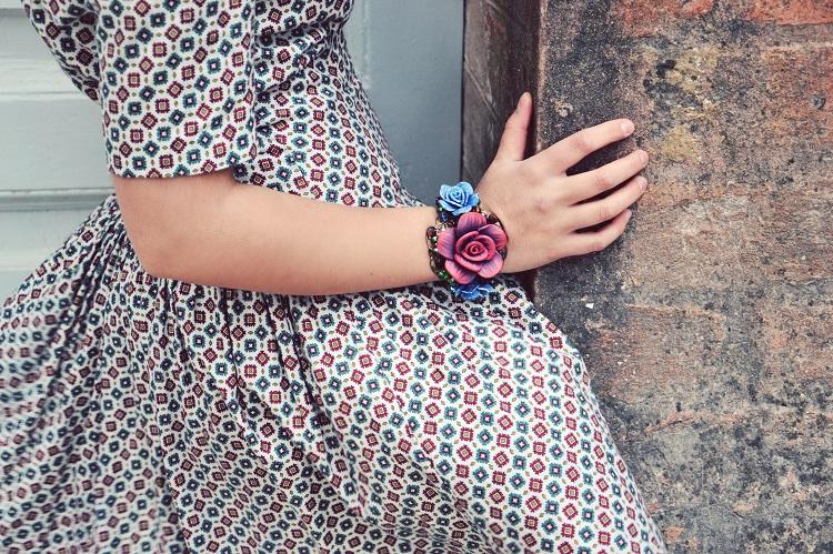 accessori floreali, bracciali, rose