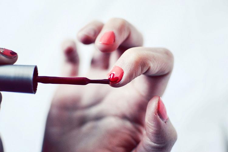 tutorial nail art valentine's day, hearts nails, tutorial make up